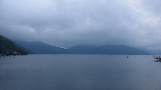 Lac Chuzenji. Est ce le temps qui le rendait si calme…